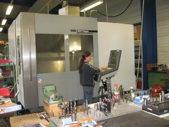 kaufen Vertikalbearbeitungszentrum DMC V104 linear