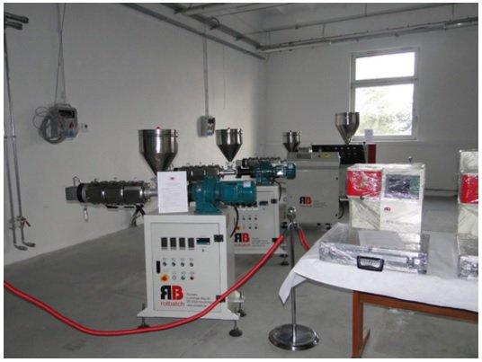 kaufen Новые одно и двухшнековые лабораторные экструдеры для лабораторной обработки PE, PP, PVC, PMMA, PA, PC, PET
