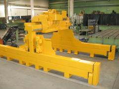 Machine hydraulic drives
