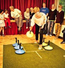 Teppichcurling - Neue Bewegungsart für alle Altergruppen