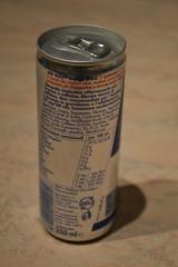 Gut raffiniertes Original Bull Energy Drink 250 ml Rot / Blau / Silber Jetzt ab Lager verfügbar