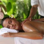 Rosenaromaöl-Massage