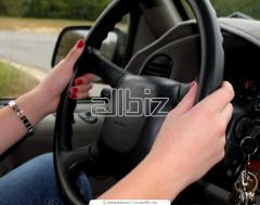 Miete der Autos mit einem Fahrer